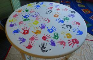 hand print table