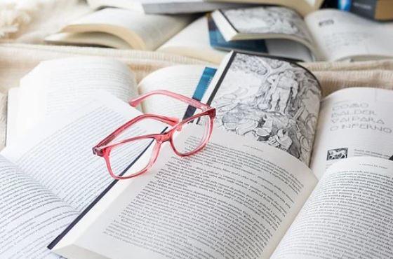 books-glasses
